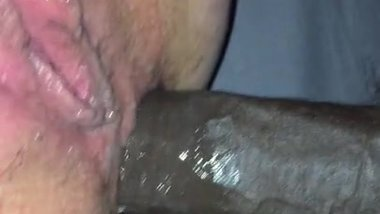 40 year old milf gets BBC up her tight ass.