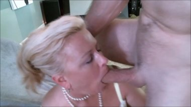 Mature Face Fuck and Facial