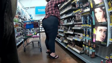 Huge ass wearing spandex and flip flops