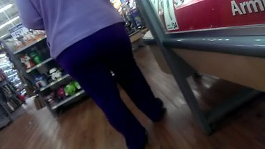 Candid White MILF Booty Wal-Mart 2