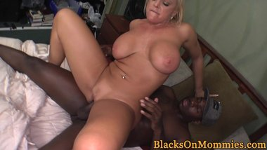 Bigtit housewife loves interracial fourway