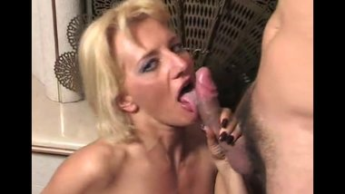 MILF ITALIAN SHADOW CUMSHOTS COMPIL PART 1