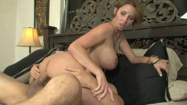 Busty Slut Goes to Horny Stud& 039 S Room to Suck His
