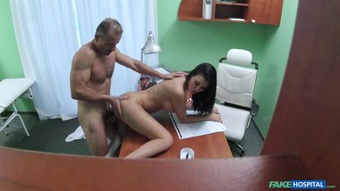 FakeHospital: Doctor fucks gorgeous Jasmine Jae over his desk