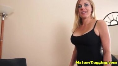 Bigtitted milf Madison Paige jerking