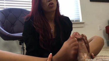 nylon feet smother pantyhose foot sniffing girls sosters footjob2