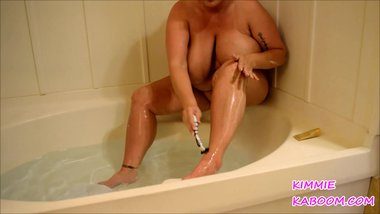 SHAVING LEGS IN VEGAS TEASER
