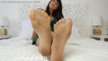 nylon feet smother pantyhose foot sniffing girls sosters footjob worship012