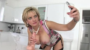LADY SONIA Dildo Play Photos