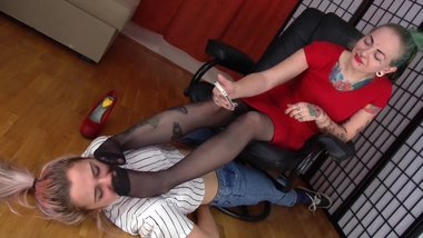 nylon feet smother pantyhose foot sniffing girls sosters731